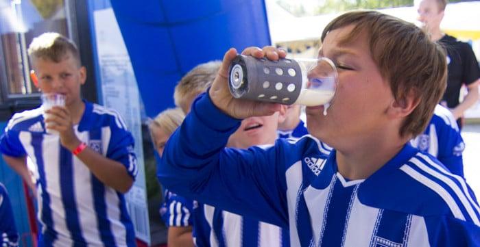 Mjölkhävartävling Norrmejerier Umeå Fotbollsfestival