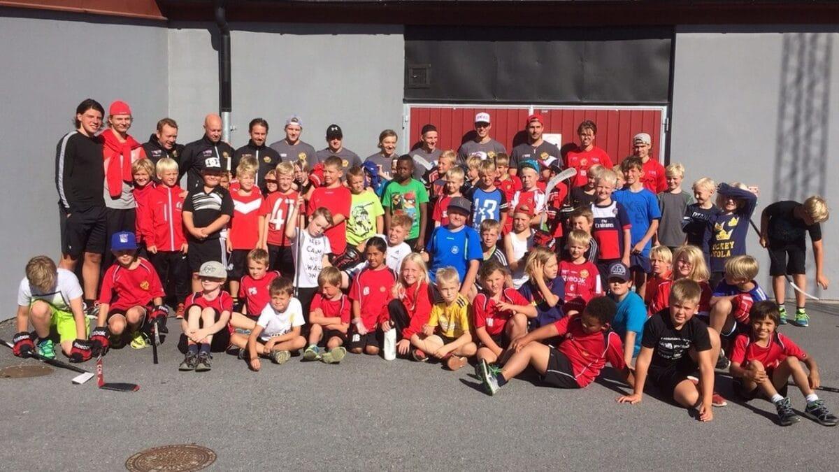 """Sponsor gör hockeyskola gratis: """"Ett ypperligt tillfälle att kunna hjälpa till"""""""