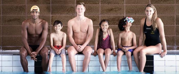 Landslaget lär barn simma med hjälp av VR-teknik