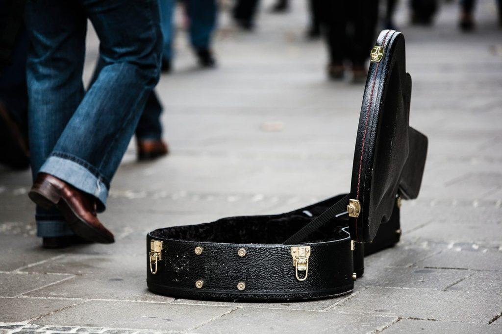 guitar-case-485112_1280 (1)